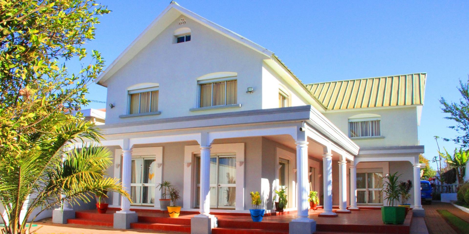 Villa tana partager une ambiance conviviale avec vos for Villa pas cher avec piscine