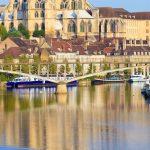 Auxerre, pniche sur l'Yonne, abbaye Saint-germain, Bourgogne-Fra