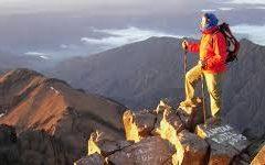 Quel est l'équipement de base à emporter dans un trekking dans le désert du Maroc ?