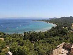 Quelles sont les plages de l'île de Porquerolles?