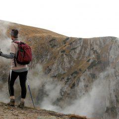 La marche  nordique: une des activités à privilégier lors des vacances dans les montagnes