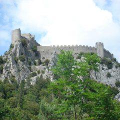 Découvrir le château de Puilaurens lors d'un voyage touristique