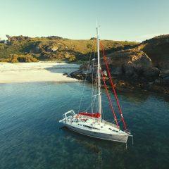 Explorer la Bretagne et ses îles envoûtantes à bord d'un voilier