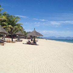 Les plages près de la ville de Hoian