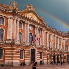 Toulouse : pour arpenter la ville rose, pensez à la location de voiture