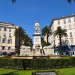 ajaccio-ville-en-juin